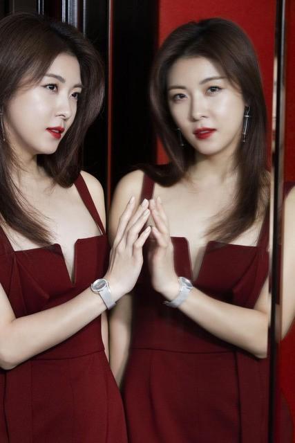 Mỹ nhân xứ Hàn xinh đẹp lung linh đón xuân ảnh 4