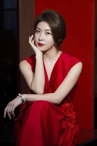 Mỹ nhân xứ Hàn xinh đẹp lung linh đón xuân ảnh 3