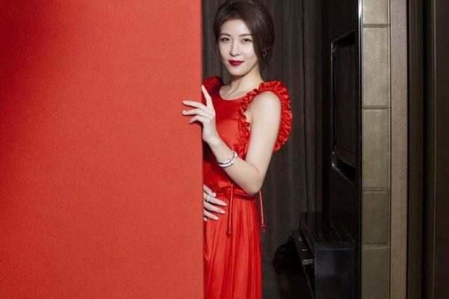 Mỹ nhân xứ Hàn xinh đẹp lung linh đón xuân ảnh 1