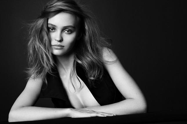Con gái 'cướp biển' Johnny Depp quá đỗi gợi cảm ảnh 1