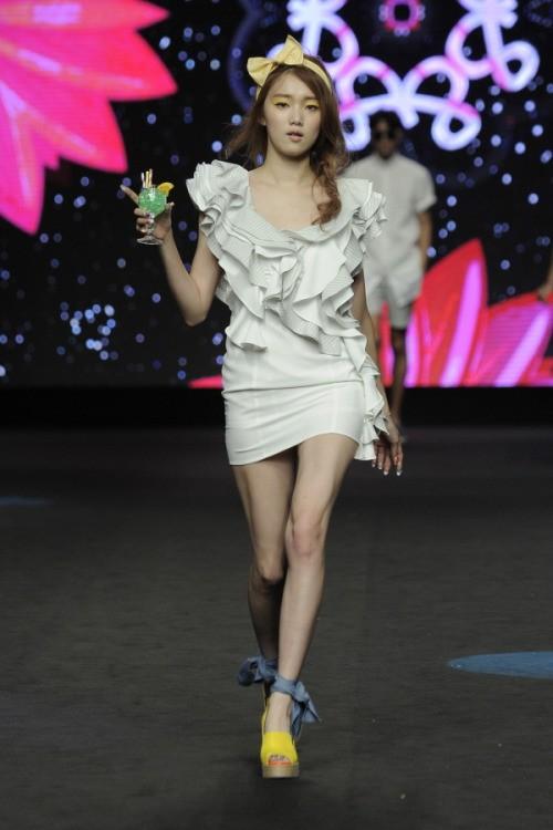 Lee Sung Kyung – 9x gợi cảm cá tính của showbiz Hàn ảnh 29
