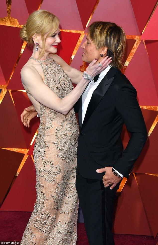 Nicole Kidman quyến rũ mê mẩn dù sắp 50 tuổi ảnh 7
