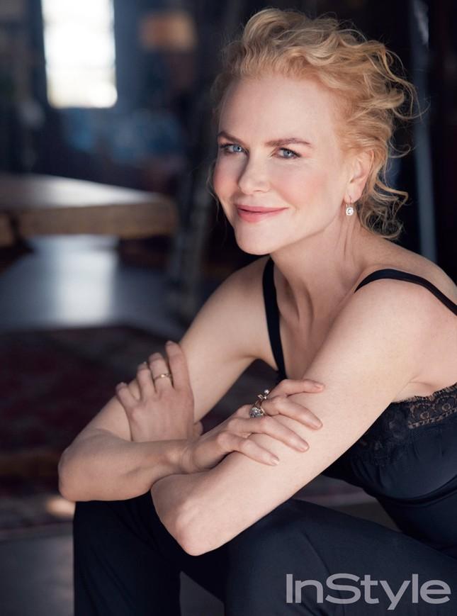 Nicole Kidman quyến rũ mê mẩn dù sắp 50 tuổi ảnh 2
