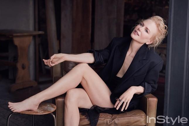 Nicole Kidman quyến rũ mê mẩn dù sắp 50 tuổi ảnh 1
