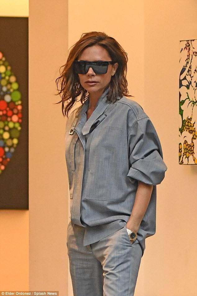 Victoria Beckham vẫn sành điệu khi diện pyjama xuống phố ảnh 11