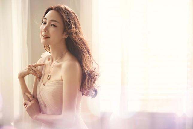 Choi Ji Woo 42 tuổi vẫn đẹp long lanh như thiên thần ảnh 2