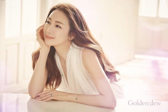 Choi Ji Woo 42 tuổi vẫn đẹp long lanh như thiên thần ảnh 3