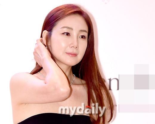 Choi Ji Woo 42 tuổi vẫn đẹp long lanh như thiên thần ảnh 9