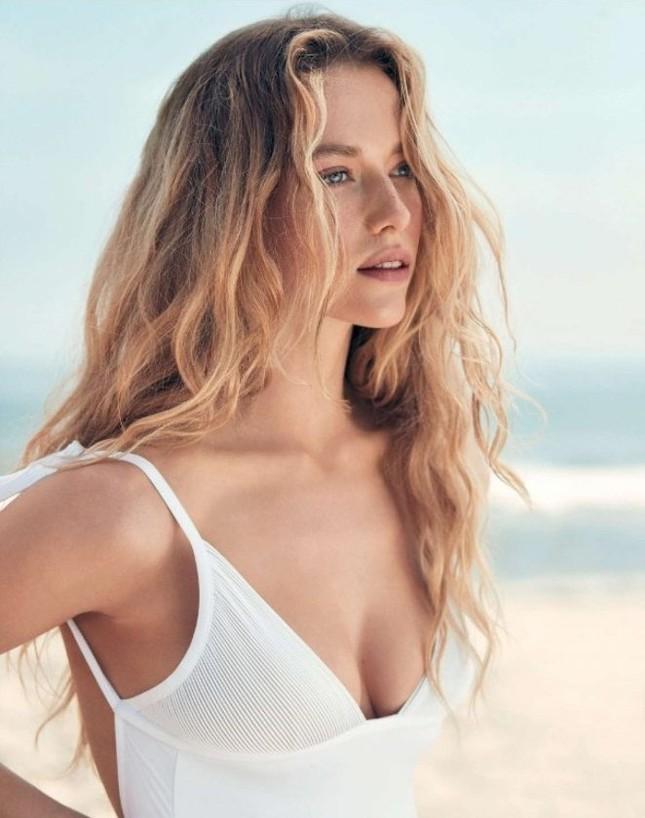 Nàng mẫu Hannah Ferguson quá đỗi gợi tình trên biển ảnh 3