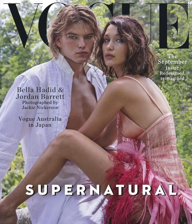 'Chân dài' Bella Hadid quá đỗi gợi cảm trên hàng loạt ấn phẩm Vogue ảnh 24
