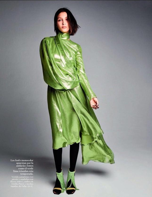 'Chân dài' Bella Hadid quá đỗi gợi cảm trên hàng loạt ấn phẩm Vogue ảnh 16