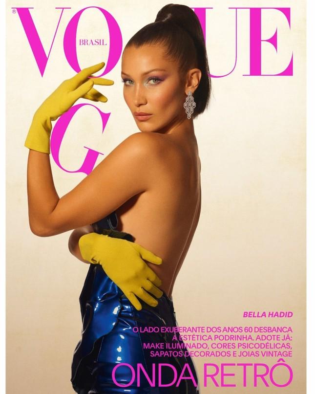 'Chân dài' Bella Hadid quá đỗi gợi cảm trên hàng loạt ấn phẩm Vogue ảnh 4
