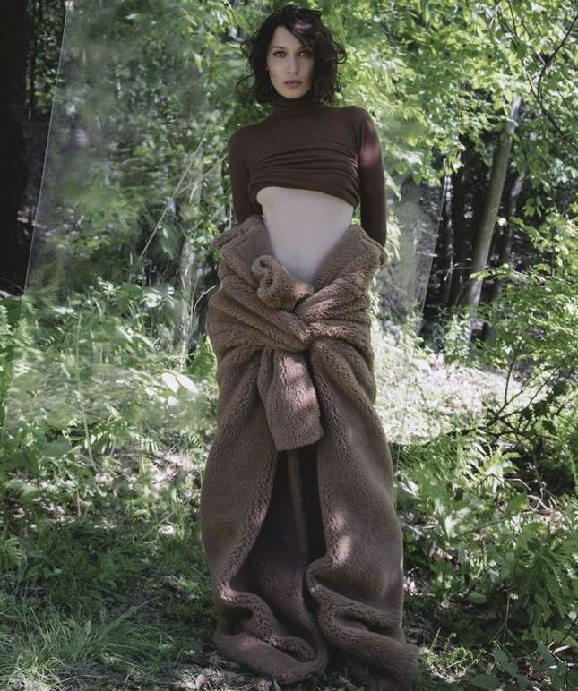 'Chân dài' Bella Hadid quá đỗi gợi cảm trên hàng loạt ấn phẩm Vogue ảnh 29