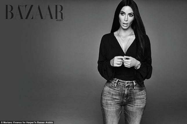 Kim Kardashian hóa 'nữ thần disco' rực lửa Cher ảnh 6