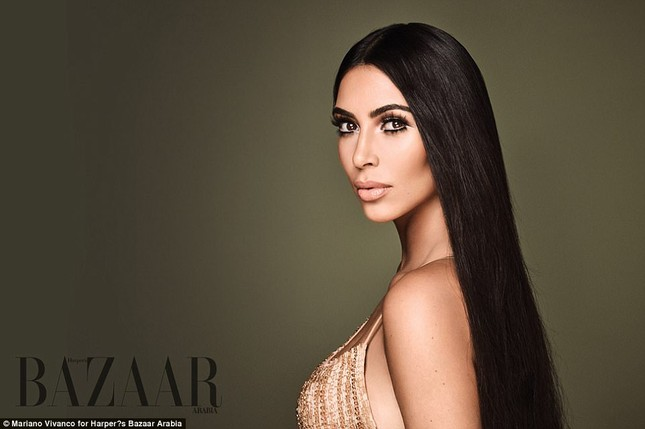 Kim Kardashian hóa 'nữ thần disco' rực lửa Cher ảnh 1