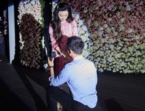 Cận cảnh nhẫn cầu hôn, búp bê gần 7 tỉ Lý Thần tặng Phạm Băng Băng ảnh 3
