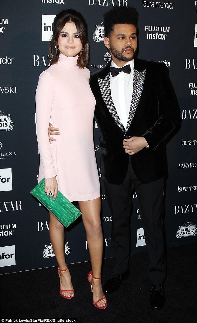 Đang hẹn hò The Weeknd, Selena Gomez đưa tình cũ Justin Bieber về nhà ảnh 6