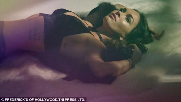 Mỹ nhân 'Transformers' Megan Fox sinh 3 con vẫn siêu nóng bỏng ảnh 8