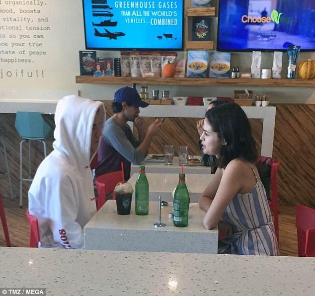 Chia tay bạn trai, Selena Gomez bị đồn quay lại với Justin Bieber ảnh 5