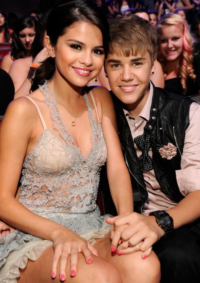 Chia tay bạn trai, Selena Gomez bị đồn quay lại với Justin Bieber ảnh 6