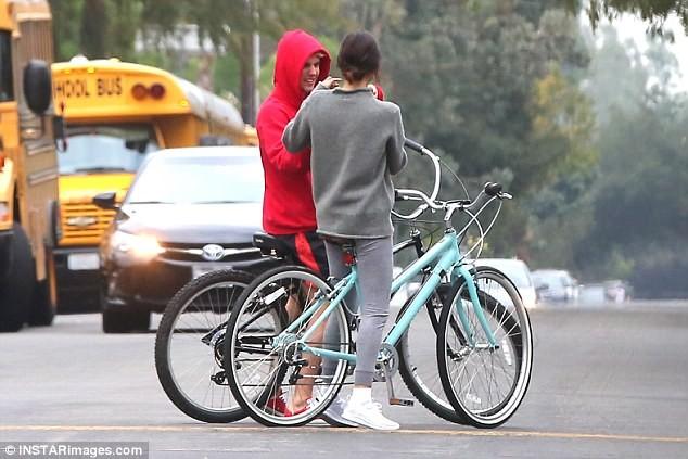 Selena Gomez tràn ngập hạnh phúc bên tình cũ Justin Bieber ảnh 5