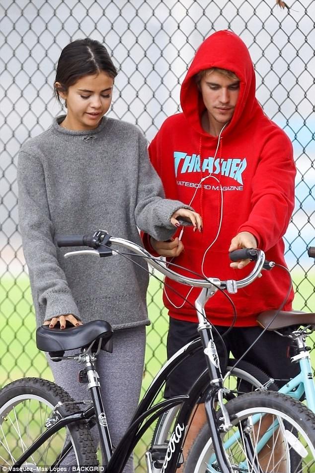 Selena Gomez tràn ngập hạnh phúc bên tình cũ Justin Bieber ảnh 8