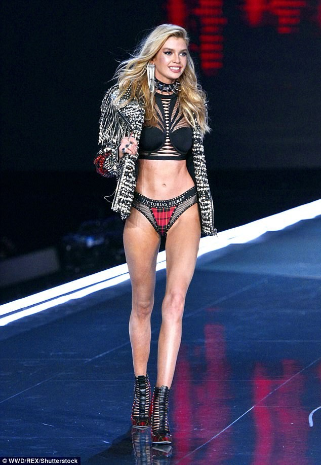 Dàn 'chân dài' Victoria's Secret siêu gợi cảm dự tiệc sau đêm diễn ảnh 14