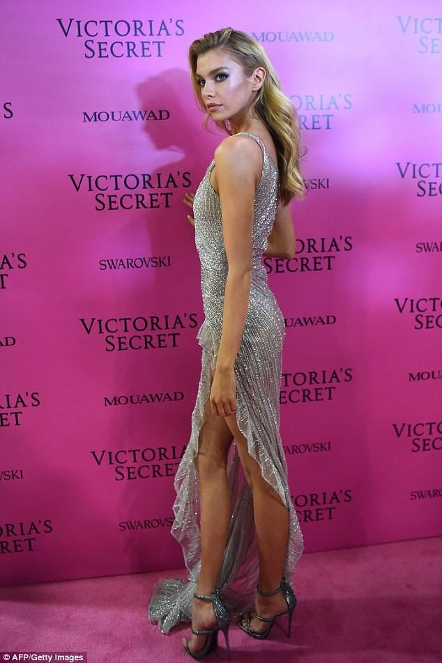 Dàn 'chân dài' Victoria's Secret siêu gợi cảm dự tiệc sau đêm diễn ảnh 12