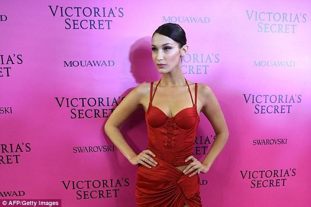 Dàn 'chân dài' Victoria's Secret siêu gợi cảm dự tiệc sau đêm diễn ảnh 1