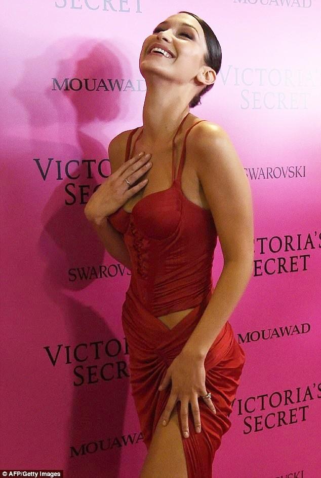 Dàn 'chân dài' Victoria's Secret siêu gợi cảm dự tiệc sau đêm diễn ảnh 5