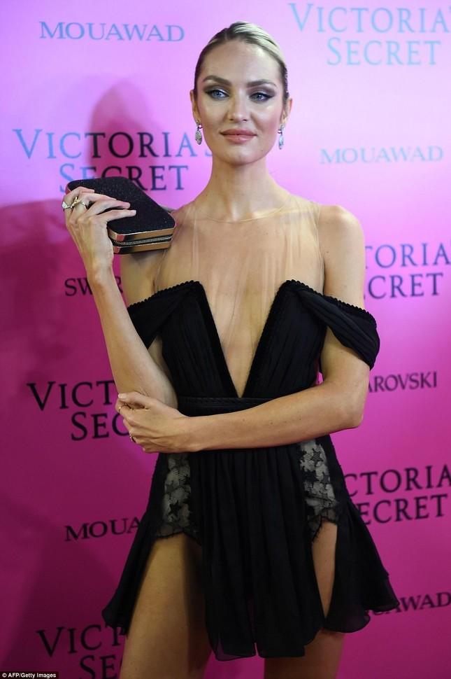 Dàn 'chân dài' Victoria's Secret siêu gợi cảm dự tiệc sau đêm diễn ảnh 9
