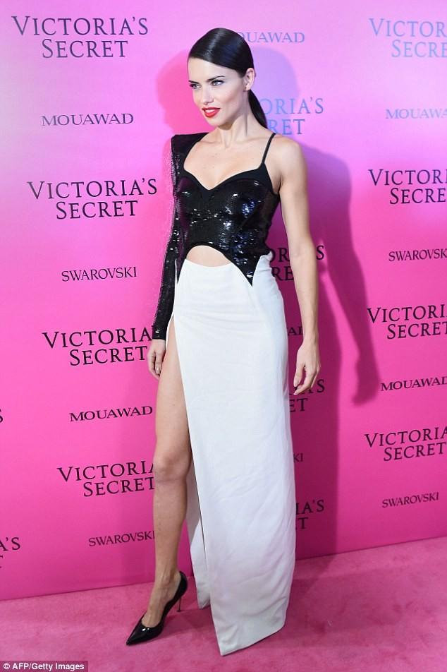 Dàn 'chân dài' Victoria's Secret siêu gợi cảm dự tiệc sau đêm diễn ảnh 7