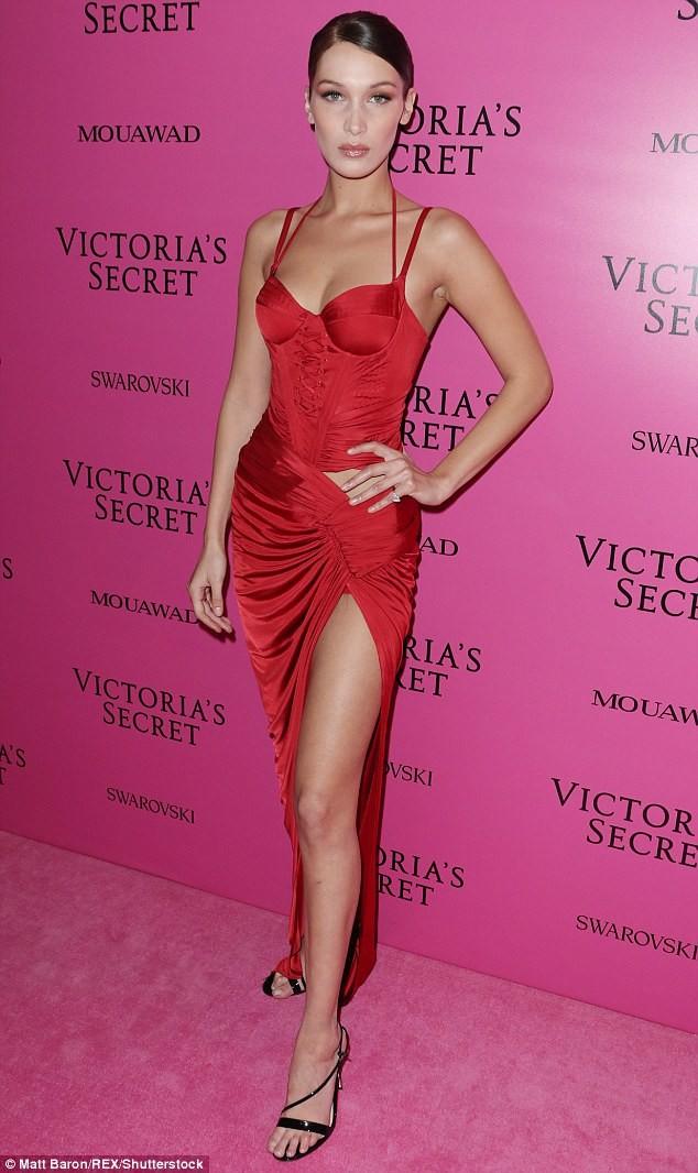 Dàn 'chân dài' Victoria's Secret siêu gợi cảm dự tiệc sau đêm diễn ảnh 2