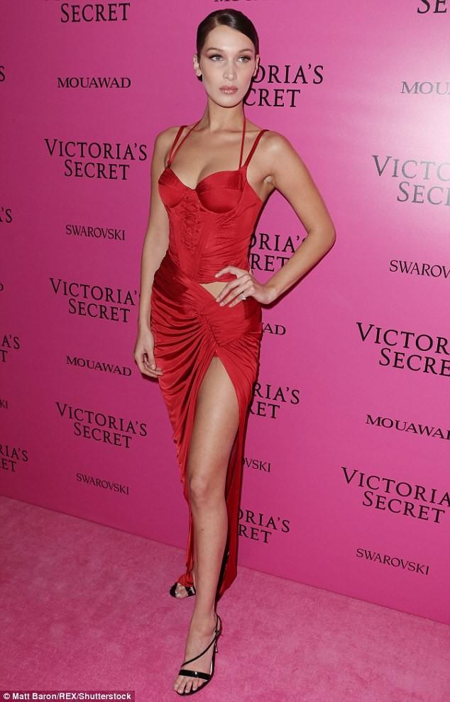 Dàn 'chân dài' Victoria's Secret siêu gợi cảm dự tiệc sau đêm diễn ảnh 3