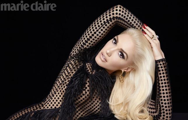 Gwen Stefani lộng lẫy, gợi cảm với đầm siêu ngắn ảnh 9
