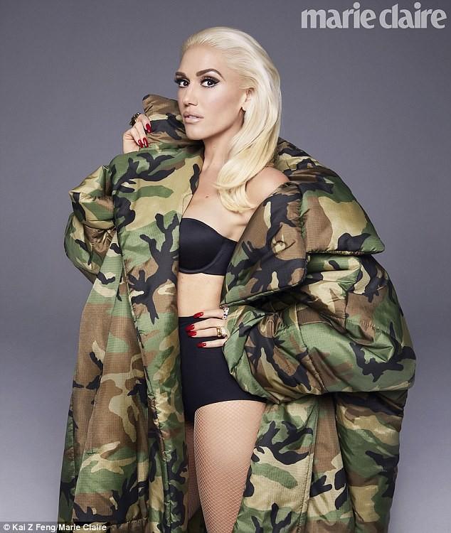 Gwen Stefani lộng lẫy, gợi cảm với đầm siêu ngắn ảnh 11
