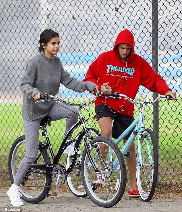 Selena Gomez quá đỗi gợi cảm, chính thức 'yêu lại từ đầu' với Justin Bieber ảnh 4