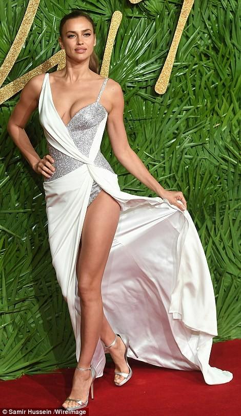 Irina Shayk – 'Nữ thần' gợi cảm trên thảm đỏ thời trang ảnh 1
