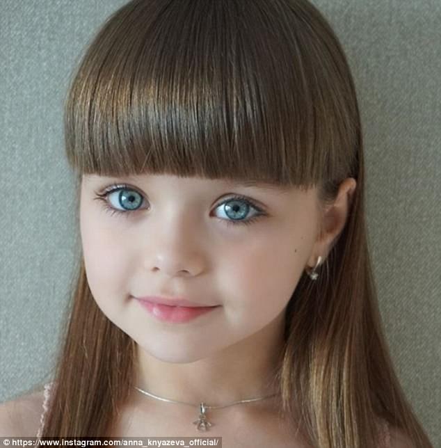 Cô bé người Nga 6 tuổi xinh như búp bê ngoài đời thực ảnh 4