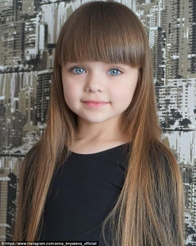 Cô bé người Nga 6 tuổi xinh như búp bê ngoài đời thực ảnh 7
