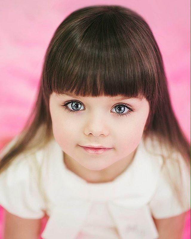 Cô bé người Nga 6 tuổi xinh như búp bê ngoài đời thực ảnh 10
