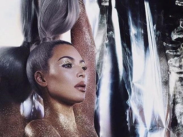 Kim Kardashian diện đầm ôm cắt xẻ khoe dáng đồng hồ cát ảnh 8
