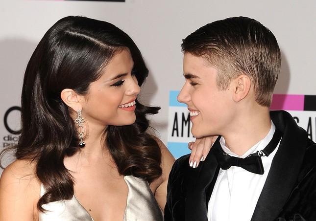 Mẹ Selena Gomez nhập viện vì con gái nối lại tình xưa với Justin Bieber ảnh 3