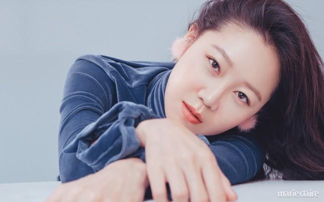 'Nữ hoàng' phim hài lãng mạn xứ Hàn bất ngờ gợi cảm ảnh 1