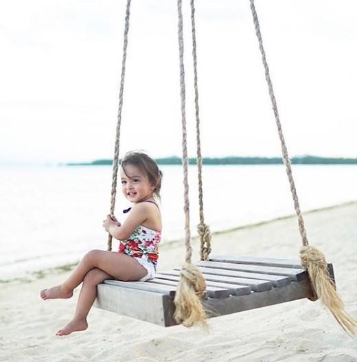 Khoảnh khắc ngọt ngào ở biển của vợ chồng mỹ nhân đẹp nhất Philippines ảnh 7
