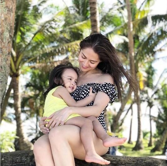 Khoảnh khắc ngọt ngào ở biển của vợ chồng mỹ nhân đẹp nhất Philippines ảnh 5