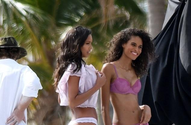 Dàn thiên thần Victoria's Secret quyến rũ ngất ngây ở Miami ảnh 3