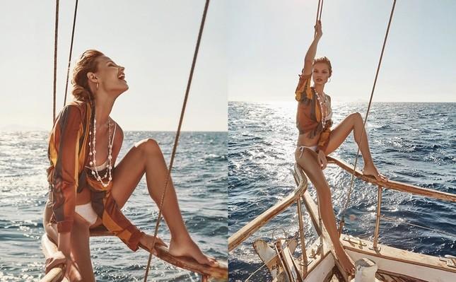 'Chân dài' Ba Lan diện bikini bốc lửa ở hòn đảo thiên đường Santorini ảnh 10