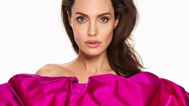 Angelina Jolie đẹp quyền lực, trả lời phỏng vấn của cựu ngoại trưởng Mỹ ảnh 1