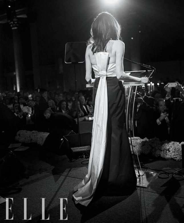 Angelina Jolie đẹp quyền lực, trả lời phỏng vấn của cựu ngoại trưởng Mỹ ảnh 5